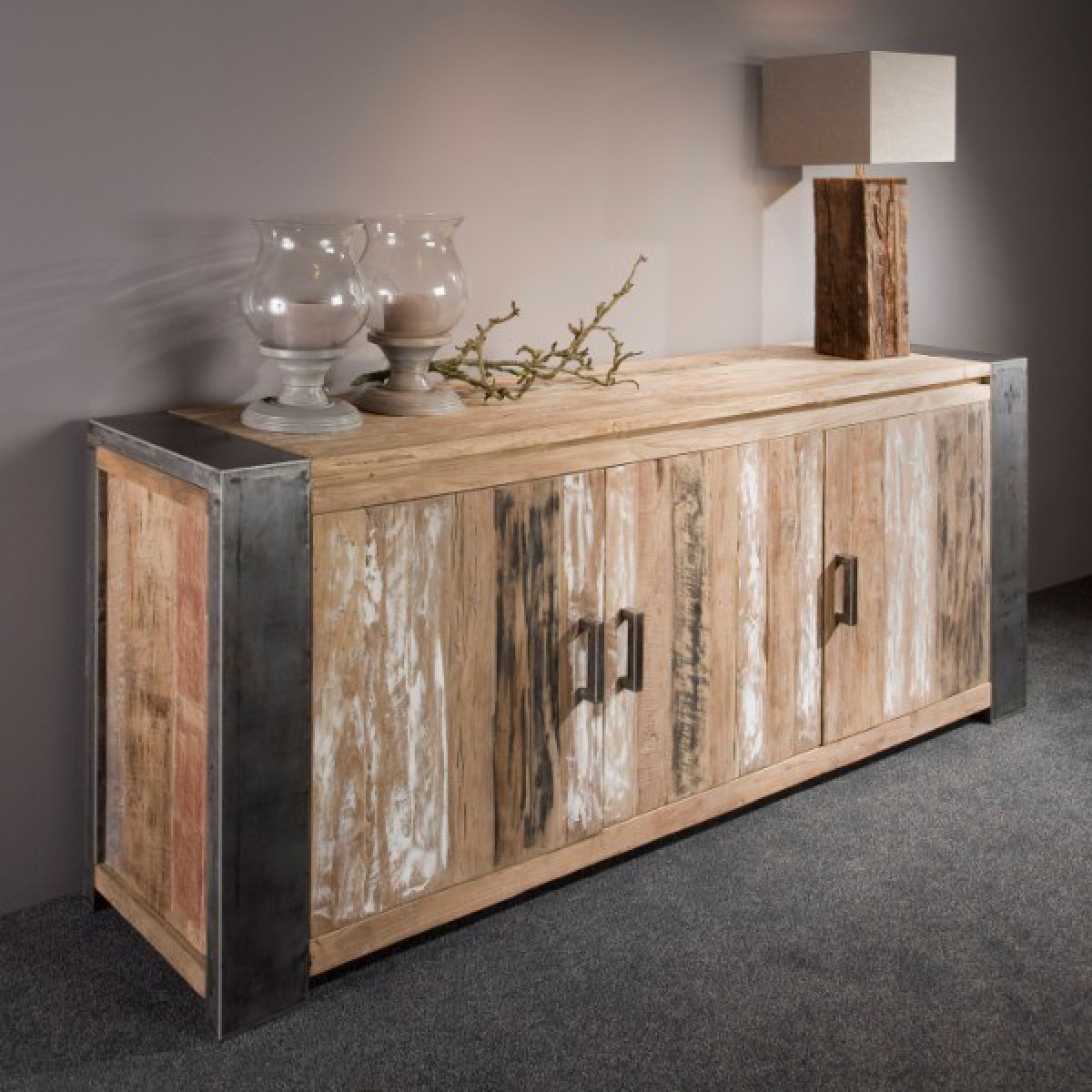 PF0010-dressoir-sidebaord-4-deuren-teak-hout-recycled-metalen-poot-stockfoto