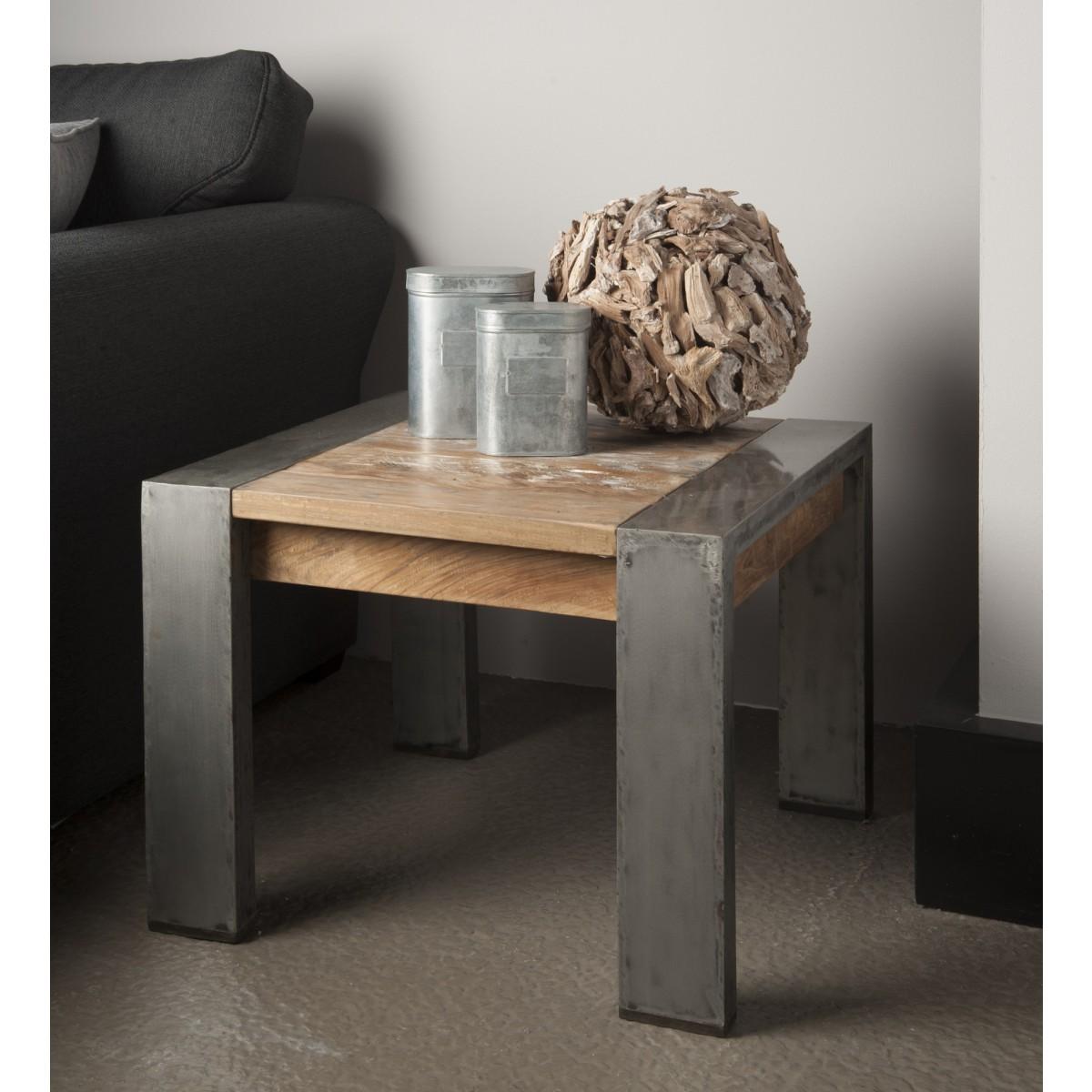hoektafel-novara-recycled-teakhout-metalen-poot-industrieel-robuust-vierkant-60x60cm