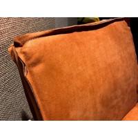 romy-metaalframe-stoel-armleuning-leer-kenia-olive-rust-brown-miltonhouse