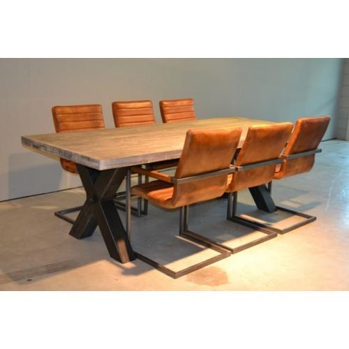 Tafel metalen kruispoot i live design for Eettafel stoelen cognac