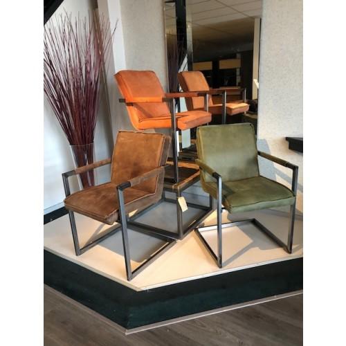 romy-metaalframe-stoel-armleuning-leer-kenia-miltonhouse-set-aanbieding
